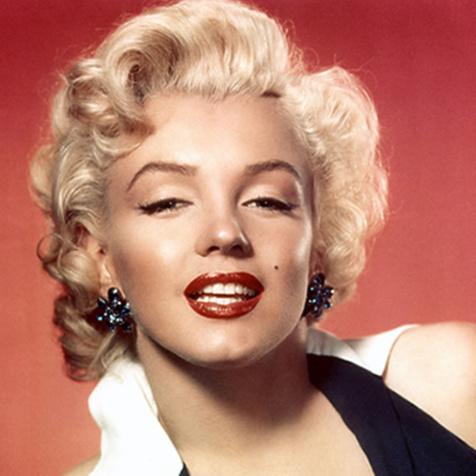 Marilyn Monroe : La mythique robe moulante portée pour chanter « Happy Birthday » au président John F. Kennedy vendue 4,8 millions de dollars...