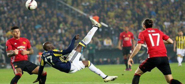 Fenerbahçe : Le come-back réussi de Moussa Sow, « Roi » des reprises de volée acrobatique