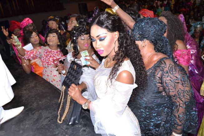ANNIVERSAIRE: Mame Goor Djazaka réussit son pari au theatre national daniel Sorano ce vendredi 16 Decembre.
