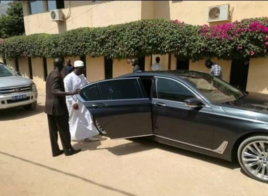 Le Président Macky Sall chez l'homme d'affaires Cheikh Amar pour lui présenter ses condoléances.