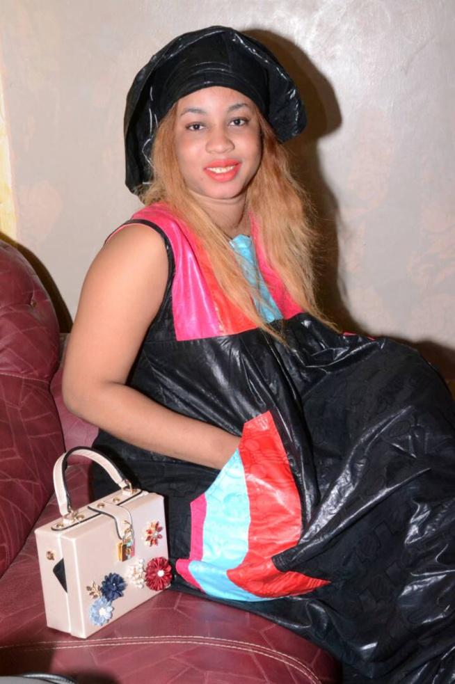 Madame Niane, la nouvelle épouse du couturier Djily Création au grand magal de Touba.