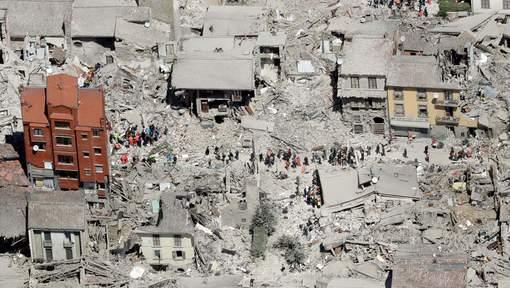 Un puissant séisme frappe l'Irak et l'Iran et fait plus de deux cents morts