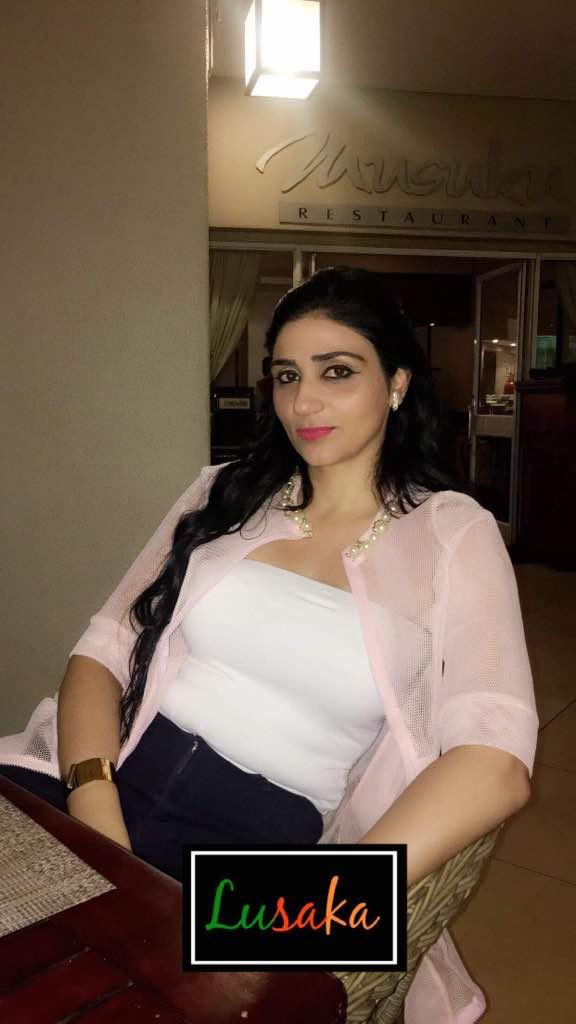 Lina Kreaime la Sénégalaise d'origine Libanaise de la RTS1 à Lusaka.