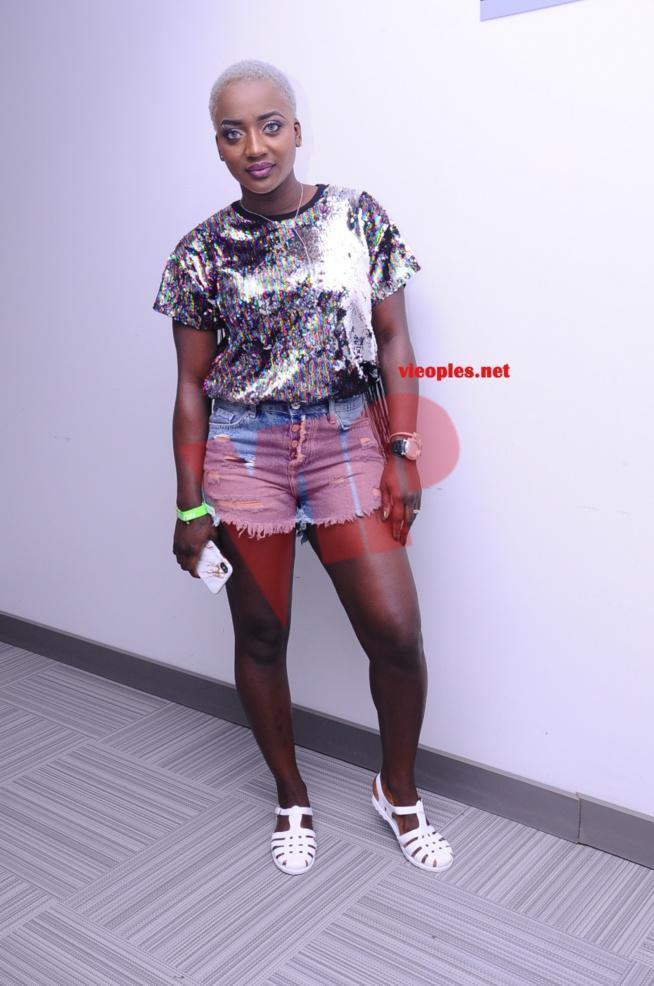 Awa Baldé fait son show sur scéne au DOCK PULLMAN .REGARDEZ