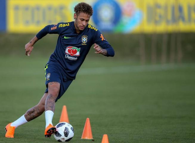 Après une longue blessure, Neymar déjà balle au pied !