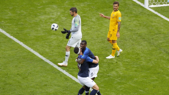 Pogba sauve la France