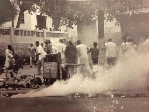 Novembre 1990 : Manifestation pour accès aux médias d'Etat et à des élections libres démocratiques et transparentes