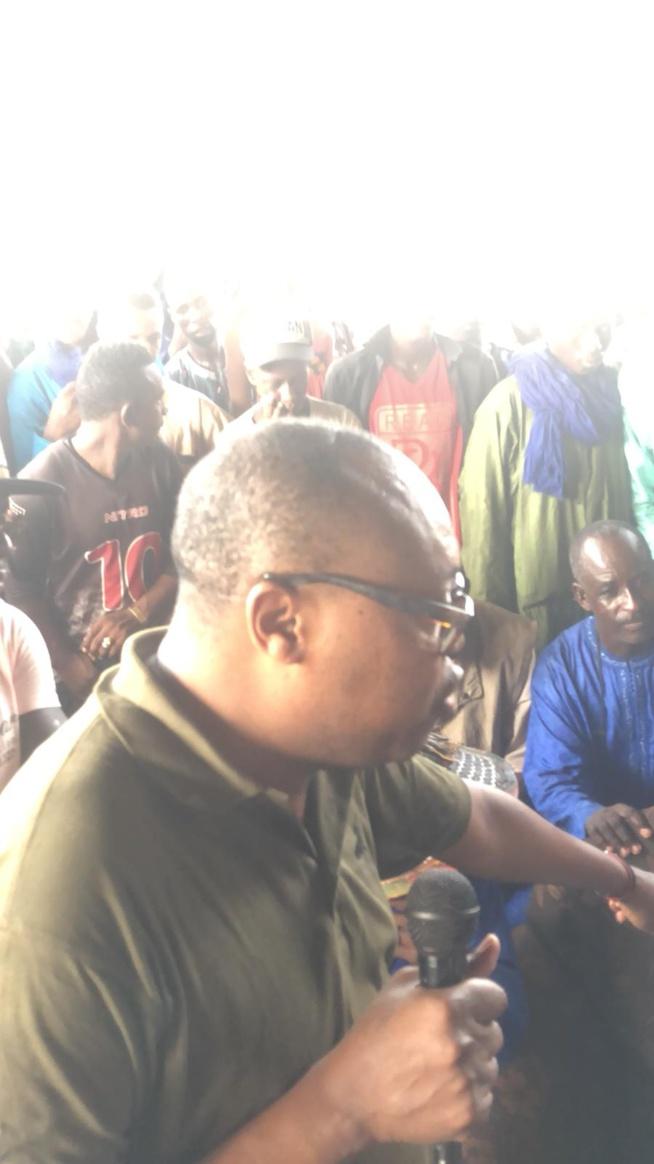 L'internationalEl Hadj Diouf président du mouvement force citoyenne descend dans la banlieue pour une sensiblisation pour des innovation de la vie politique.