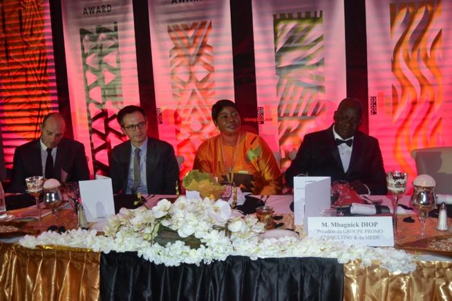 521 IMAGES: 2 eme Editions des African Leadership Awards, le Président Mbagnick Diop du MEDS vient de réussir le pari de l'organisation au Meridien Etoile de Paris.