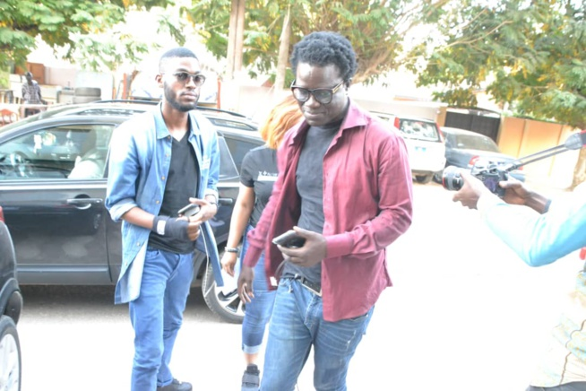 MODE  MUSIK: Arrivés de l'artiste Ivoirienne Josey avec son manager à l'AIBD puis direction chez Adja Ombelico.