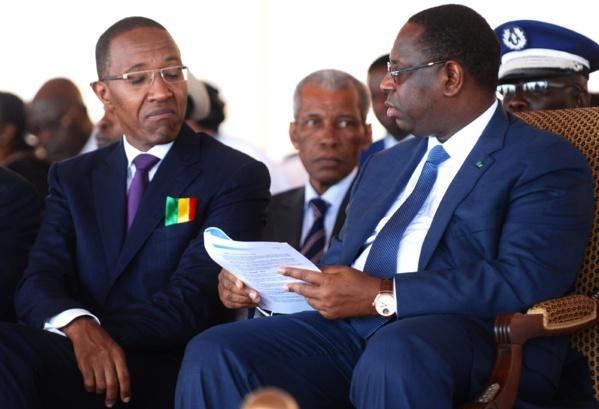 """Abdoul Mbaye: """"Où sont donc passés les comptes bancaires du Président Macky Sall ?"""""""