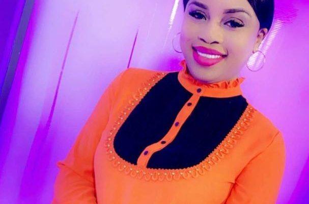 Adja Biteye, la belle présentatrice de 7 TV cède à la …..