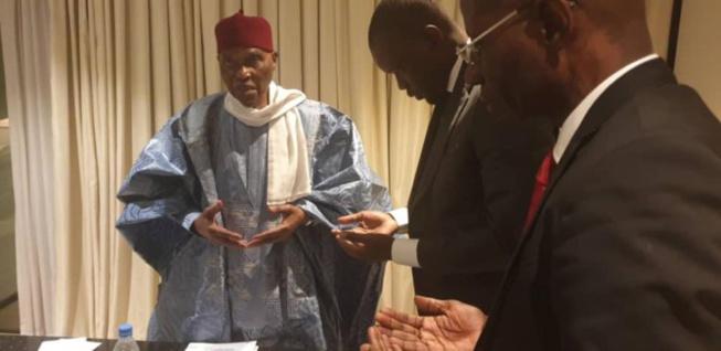 Aminata Touré : « Sonko, le candidat anti-Système courtise Wade, le grand-père du Système »