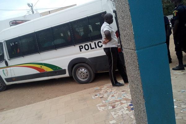Diourbel : 2 responsables des coalitions de Sonko et d'Idrissa Seck arrêtés