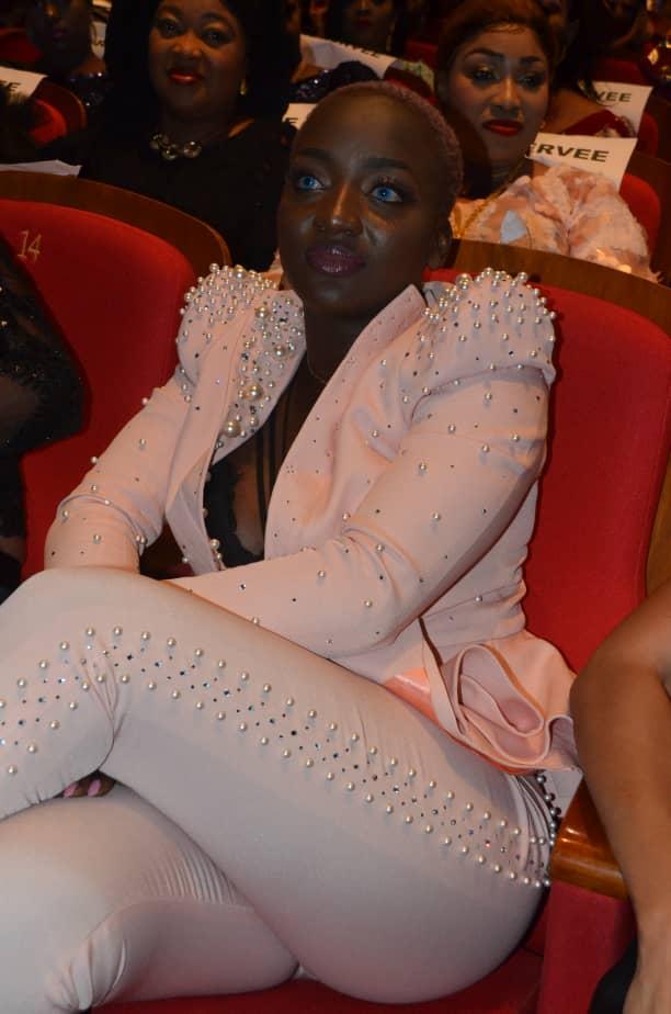 SARGALDJIGUENE : Awa Baldé refait surface dans son look d'habitude.
