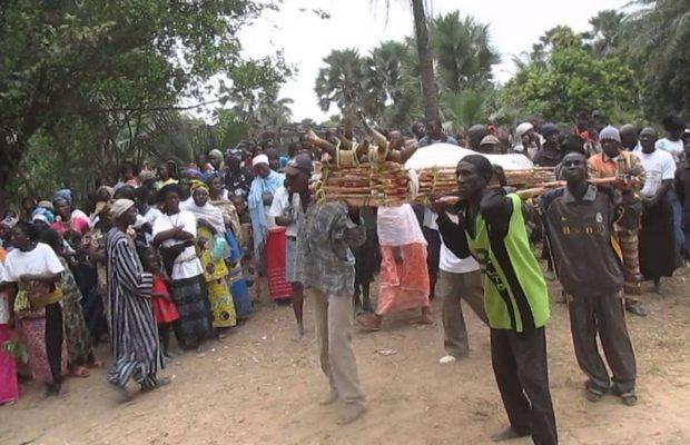 Documentaire inédit: voici cette ethnie au Sénégal où on fait parler les morts