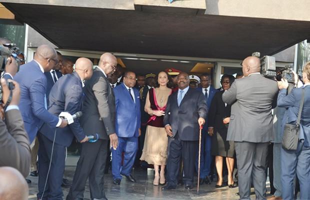 Aly Bongo de retour au Gabon affaibli, après des mois d'absence pour maladie (vidéo)