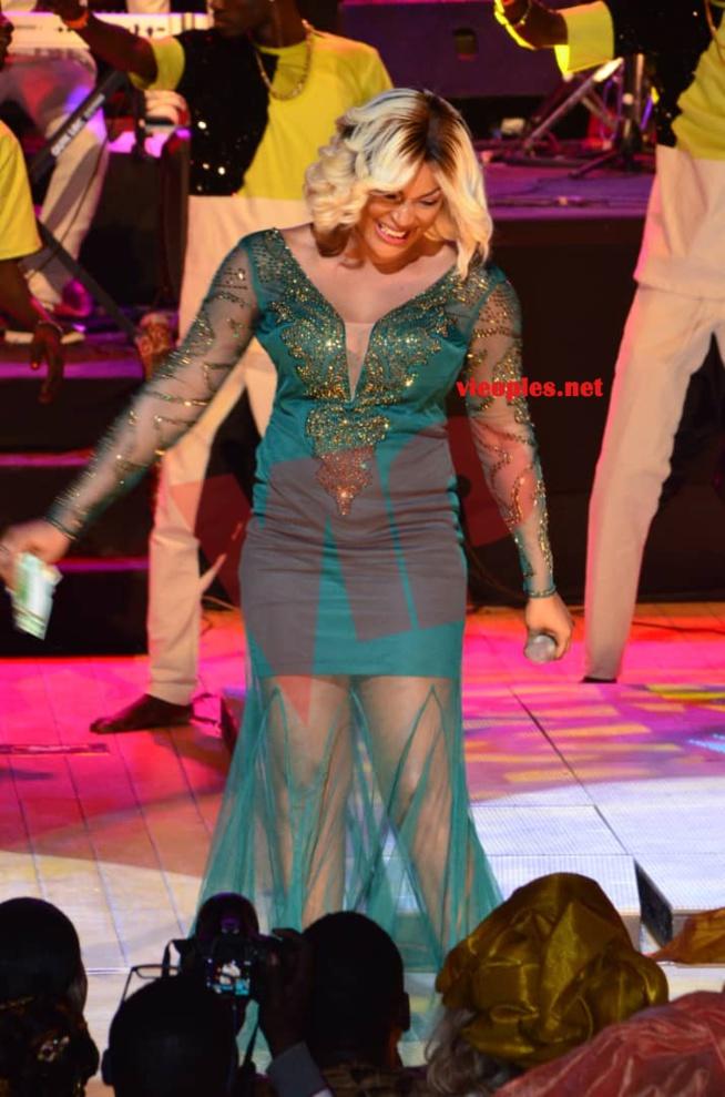 Titi La Lionne sublime dans sa robe au grand theatre pour soutenir Daba Seye