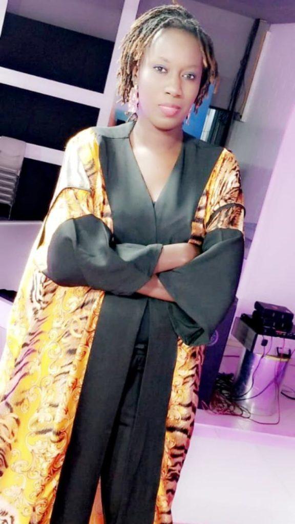"Ndiawar, la femme de Tounkara en ""mode relax"""