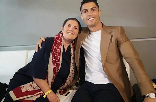 La mère de Ronaldo : « C'est ce que mon fils m'a dit après l'élimination contre l'Ajax »