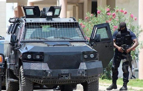 Dernière minute : 12 jeunes arrêtés devant la maison du Président Macky Sall à Mermoz