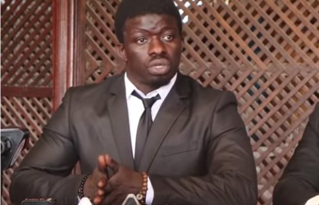 Zoss justifie son abscence au combat de Garga Mbossé et de l'écurie Door Dooraat