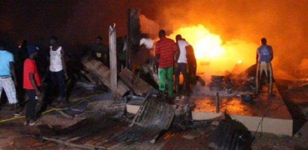 Pikine : incendie au marché au poisson