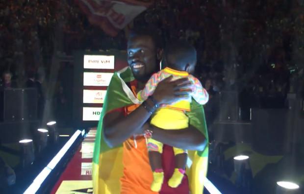 Galatasaray: « Ndiadiane Ndiaye » de Yousssou Ndour à l'honneur pour accompagner PAN dans la fête des titres (vidéo)