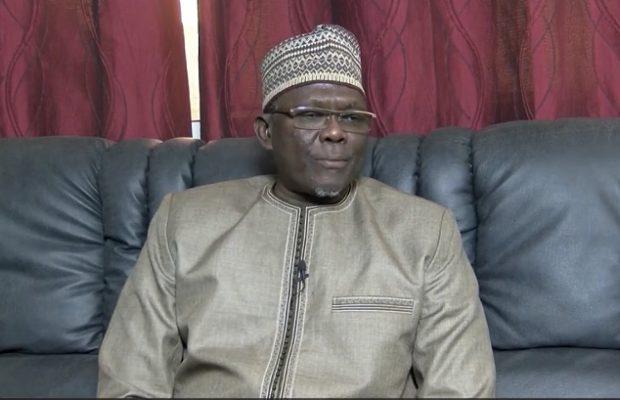 Moustapha Diakhaté: » Macky Sall doit retirer les membres de sa famille du gouvernement »