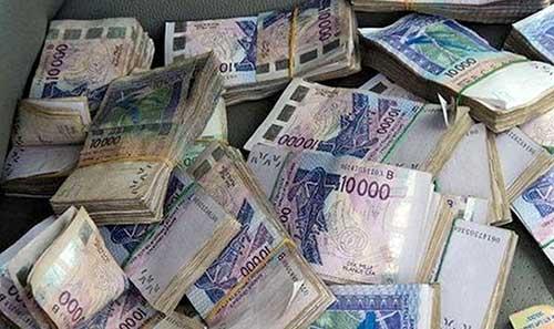 Faux billets: un jeune Mauritanien a été pris avec des coupures de 10 000 FCfa