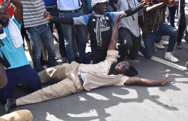 Pétrole et Gaz : LES IMAGES DES AFFRONTEMENTS ENTRE MANIFESTANTS ET POLICIERS