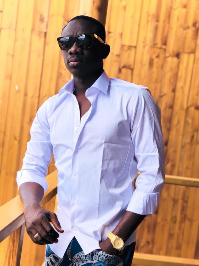 CARRIERE INTERNATIONALE: Pape Diouf vient de signer avec UNIVERSAL MUSIC AFRICA.