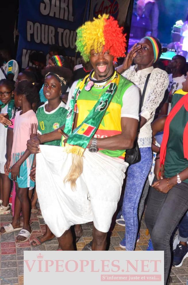 Concert Fan Zone avec Wally Seck, la place de la nation inondait de monde après la victoire du Sénégal face à l'Ouganda.