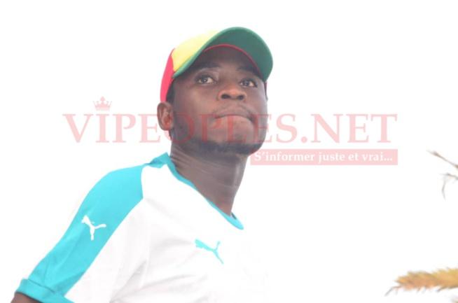 Comment les Sénégalais ont regardé le match du Sénégal face au Benin à la place de la nation avec Sidy Diop.