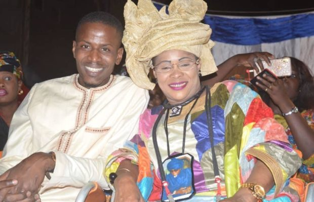 Mame Diarra Fam en toute complicité avec Amadou Diarra , et le conseiller municipal Cheikhou Omar Tall