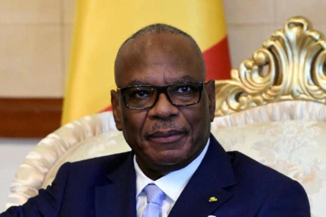 Obsèques d'Ousmane Tanor Dieng: les larmes d'IBK critiquées au Mali