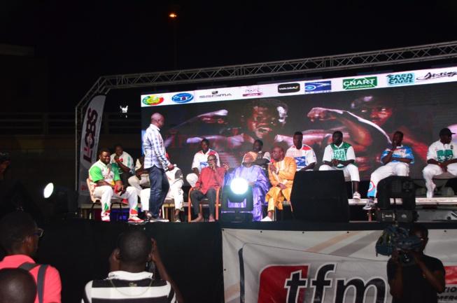 Tous les images du FACE 2 FACE Eumeu Séne vs Modou Lo un combat royal le 28 juillet.