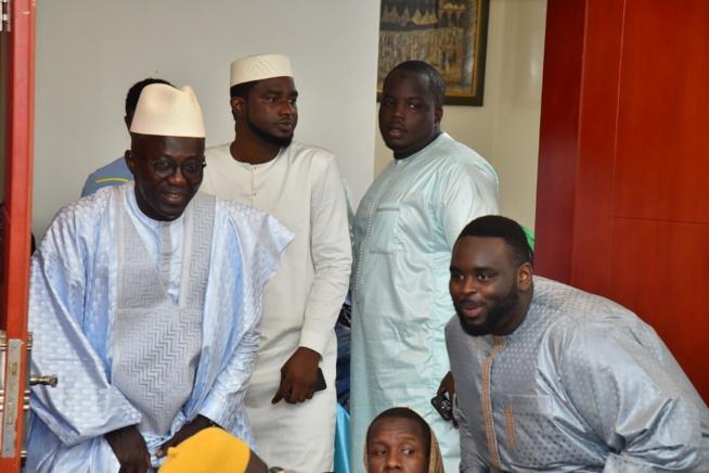 VIDÉO: Le fils du President Macky, Amadou Sall au baptéme royal du fils de son ami Momar Seck fils du DG de Eurogerm Amadou Seck