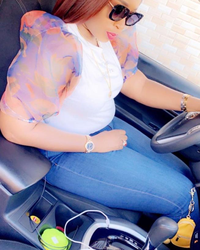 Aida Samb fière de ses rondeurs, met en avant ses atouts de femme