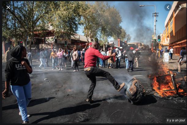 VIDÉO: Xénophobie en Afrique regardez comment ça chauffe dans les rues:La xénophobie est une « hostilité à ce qui est étranger », plus précisément à l'égard d'un groupe de personnes ou d'un individu considéré comme étranger à son propre groupe (en