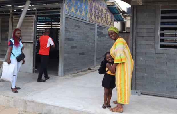 En Côte d'Ivoire, on construit des écoles en briques de plastique recyclé