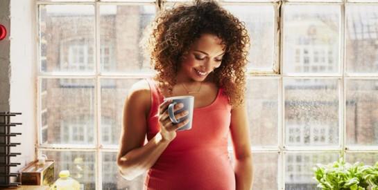 Une femme enceinte peut-elle boire du café ?
