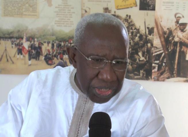 Histoire générale du Sénégal: Iba Der Thiam reçoit des familles religieuses