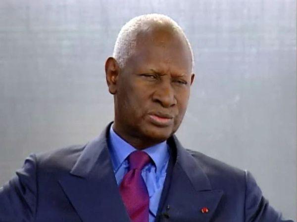 Un tweet funèbre annonce sa mort : Abdou Diouf est bien vivant