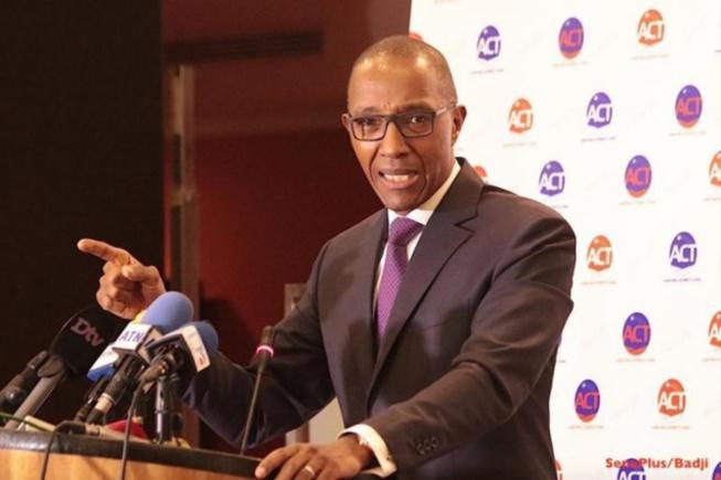 """Abdoul Mbaye, ancien PM: """"Je salue le patritisme de Moustapha Diakhaté"""""""