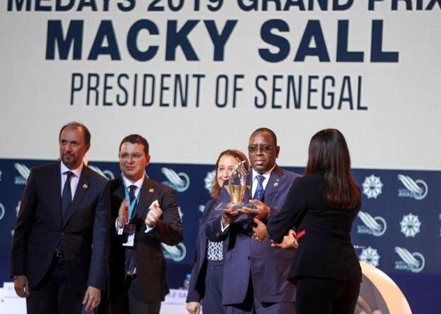 05Photos : Le Président reçoit le prix medays 2019 à Tanger