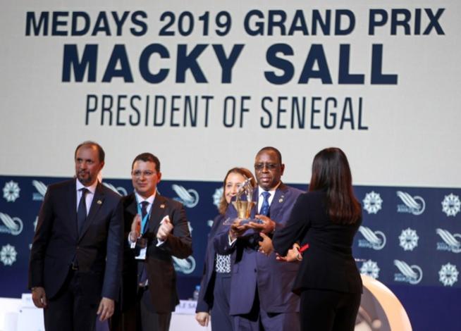 """Le Président Macky Sall recevant le Grand Prix Medays: """"Si l'Afrique recevait son dû par des échanges plus équitables, on ne parlerait plus d'aide publique au développement !"""""""