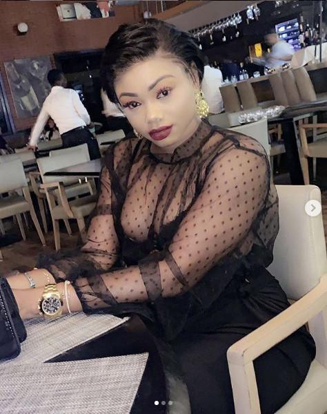 Fraîchement divorcée, l'actrice de la série « Idoles » Abby provoque les hommes avec des clichés « Hot » sur les réseaux sociaux