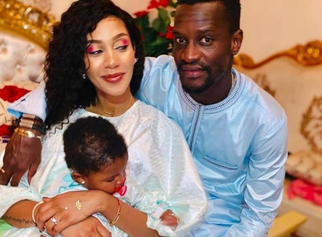 """Adja Diallo et Ibou Touré, toute mignonne en """"mode relax"""" le couple s'affiche toute heureuse avec leur fille"""
