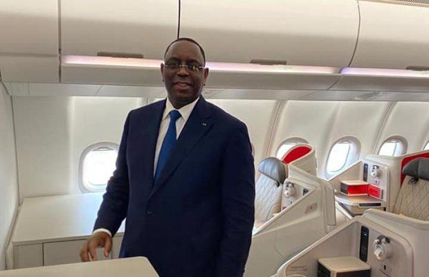 Macky Sall somme les officiels Sénégalais de voyager à bord de Air Sénégal
